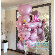 Фонтан из шаров на выписку девочки