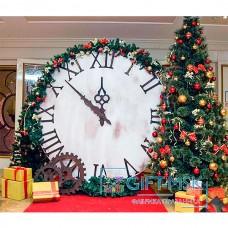 Новогодняя фотозона с часами и елкой