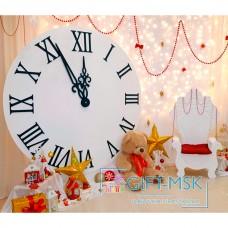 Новогодняя фотозона с часами и троном